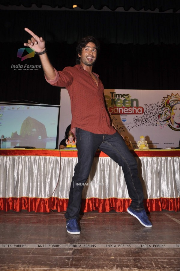 Shahid Kapoor performs during the launch of Times Green Ganesha Campaign