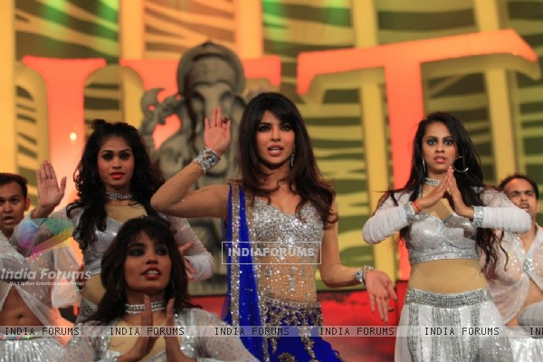 Priyanka Chopra performing at SAIFTA Award Ceremony