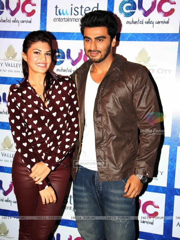 Jacqueline Fernandes and Arjun Kapoor at the Launch of Enchanted Valley Carnival 2013