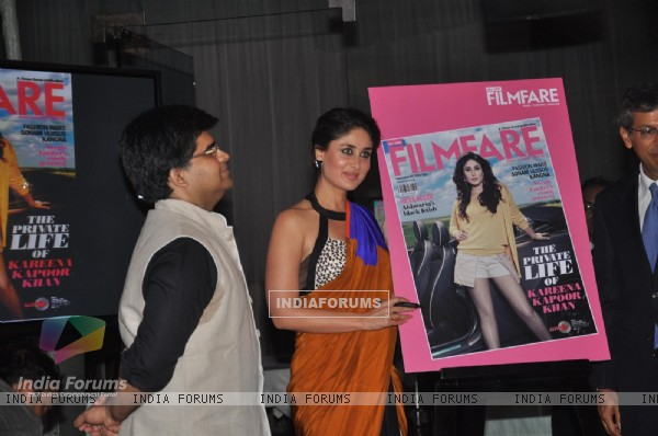 Kareena launches Filmfare magazine's September cover page