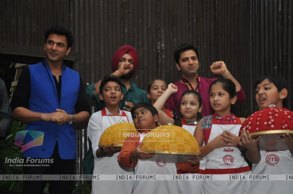 Judges and contestants of Junior Masterchef scream Ganpati Bappa Moriya!