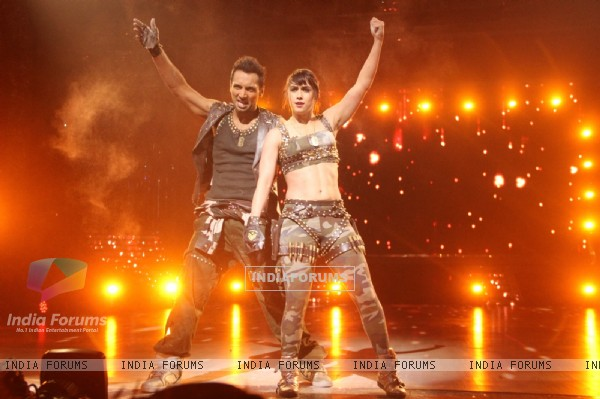 Lauren and Punit perform on Jhalak Dikhhla Jaa Super Finale