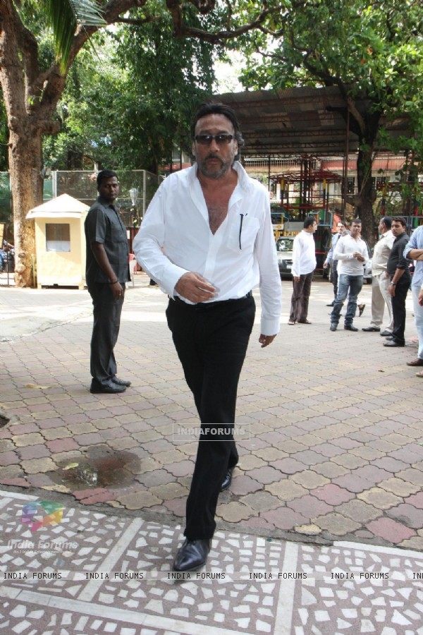 Jackie Shroff was at the prayer meet of Madhuri Dixit's father