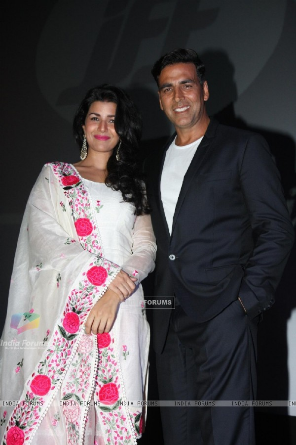 Nimrat Kaur and Akshay Kumar were seen at the Jagran Film Festival 2013
