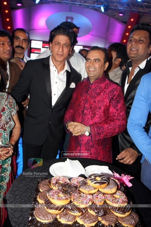 "Shahrukh Khan was at Yogesh Lakhani's ""Bright"" Birthday Party"
