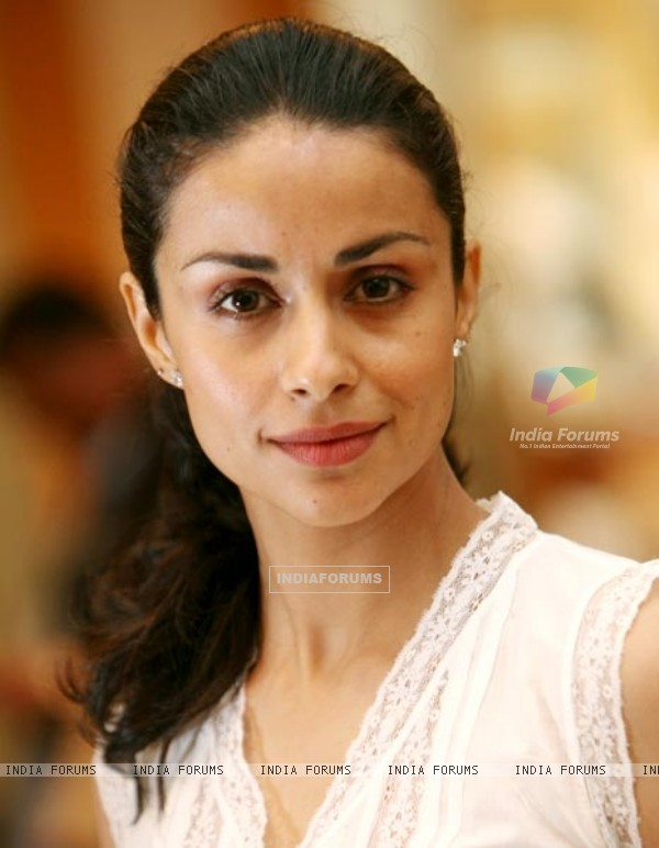 Gul Panag - Photos Hot