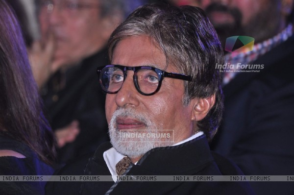 Amitabh Bachchan was seen at the Society Young Achievers Awards 2013