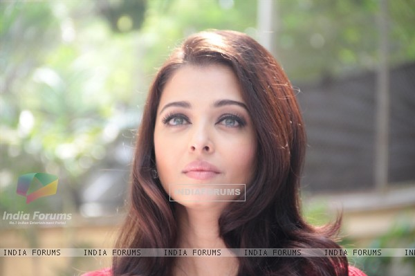 Aishwarya Rai Bachchan celebrates her 40th birthday