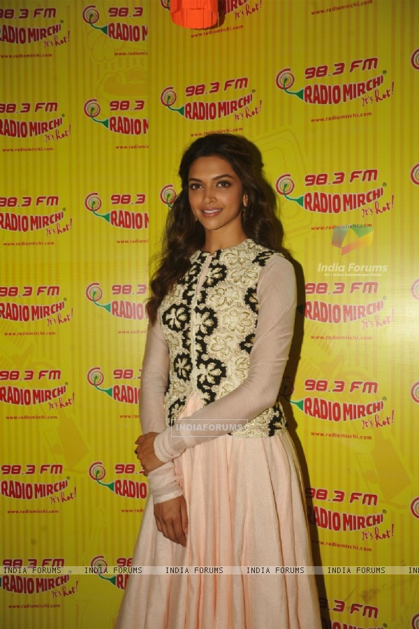 Deepika at Ram Leela promotions at 98.3 Radio Mirchi