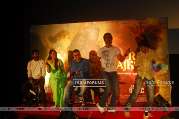 Sonakshi and Sonu Sood at R...Rajkumar 2nd Trailer Launch