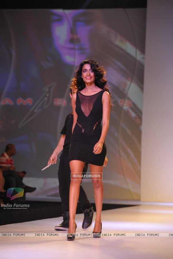 Sarah Jane Dias showstopper at the Signature International Fashion Week in Mumbai