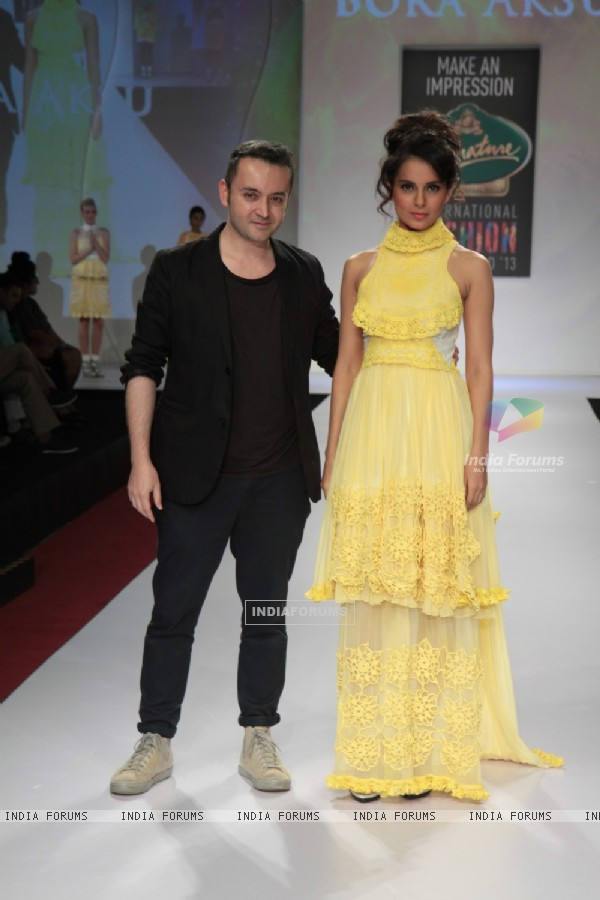 Kangana Ranaut showstopper for designer Bora Aksu at Signature International Fashion Weekend 2013 in Mumbai