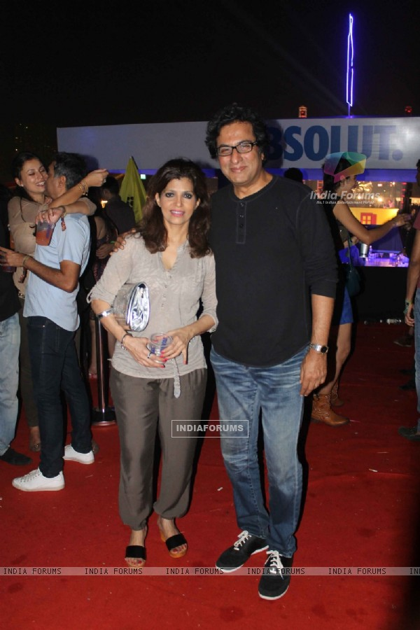Yash Birla, Talat Aziz, Candy Brar, Aarti Chhabria, Tina Dutta and Ali Merchant At Sunburn DJ Party
