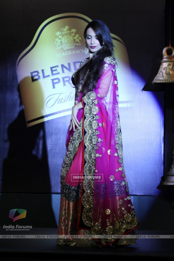 Malaika in a Vikram Phadnis creation at the Blenders Pride Fashion Tour 2013