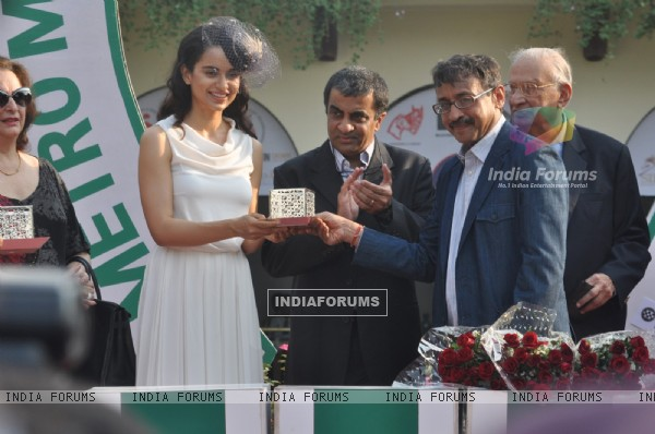 Kangana felicitated at the event