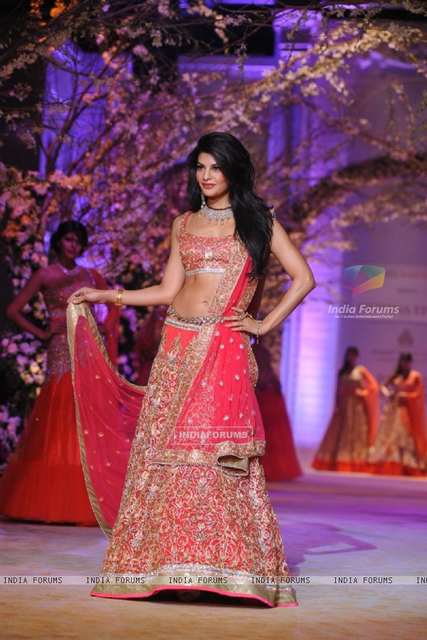 Jacqueline Fernandes walked the ramp at Aamby Valley India Bridal Fashion Week 2013