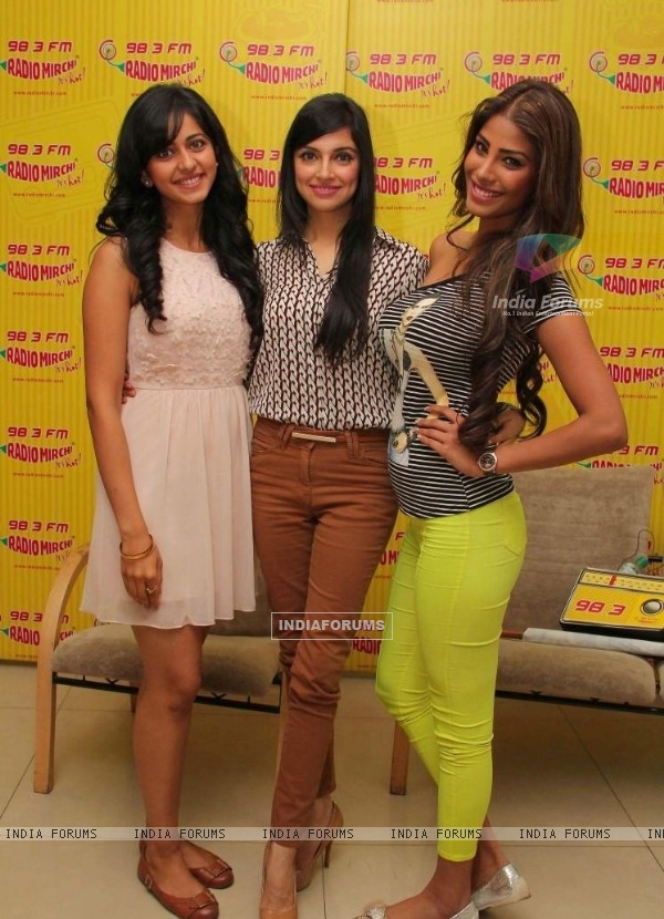 Promotion of Yaariyan at Radio Mirchi