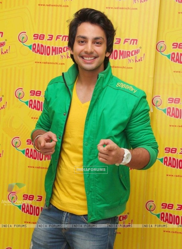 Himanshu Kohli at the Promotion of Yaariyan at Radio Mirchi