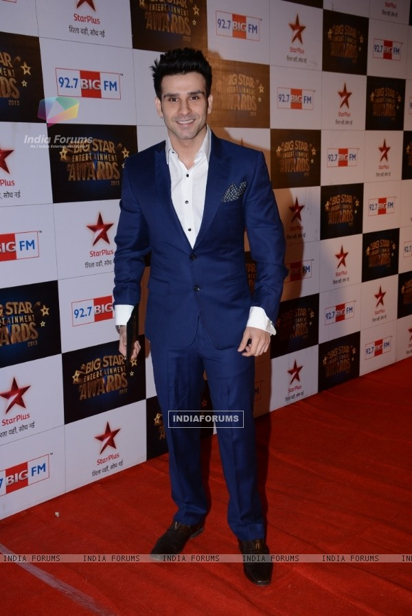 Girish Kumar was at the 4th BIG Star Entertainment Awards