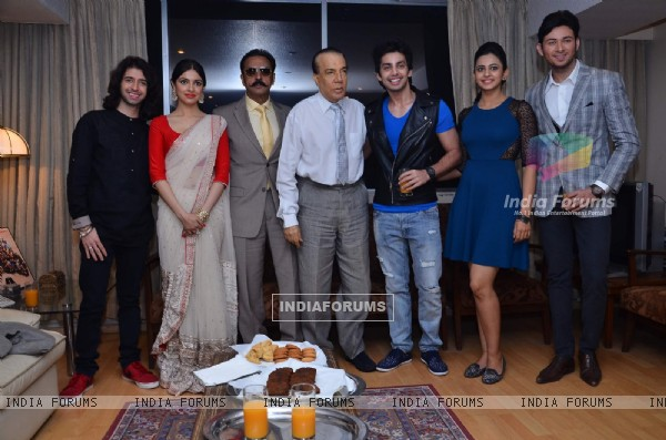 Yaariyan team launches the Stardust magazine cover