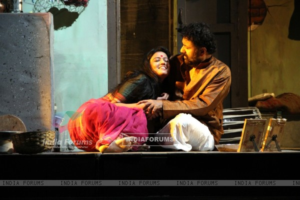 Premiere of the play 'Sakaram Binder'