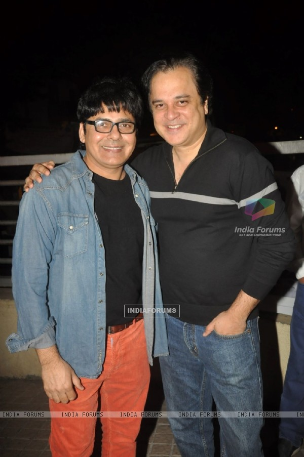 Sudesh Lahiri and Mahesh Thakur watch SHOLAY 3D with the JAI HO team