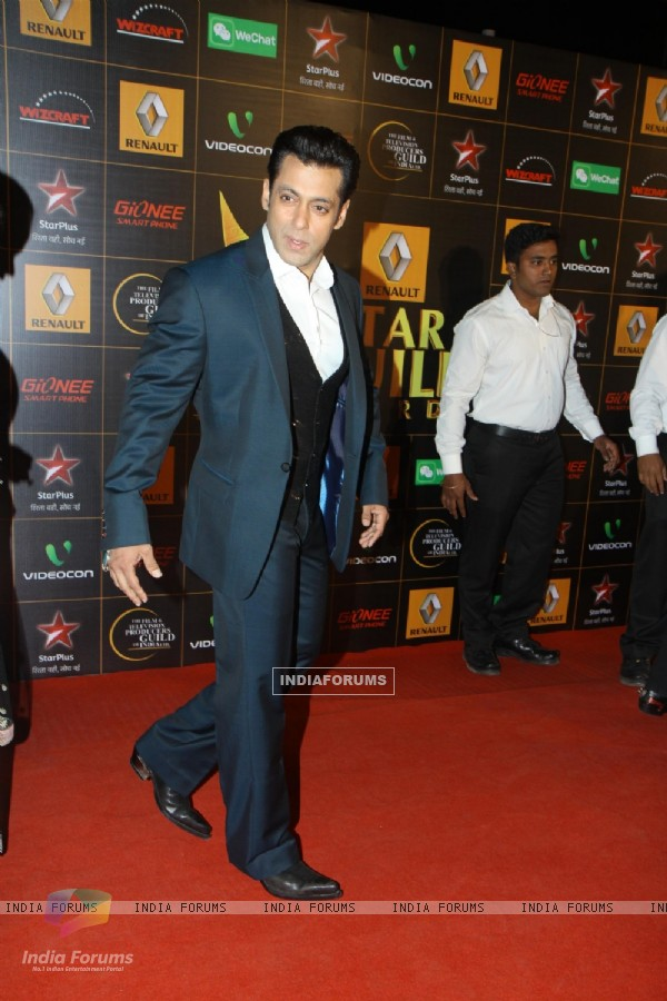 Salman Khan at the 9th Star Guild Awards