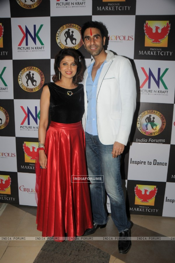 Sandip Soparrkar and Varsha Usgaonkar at the event