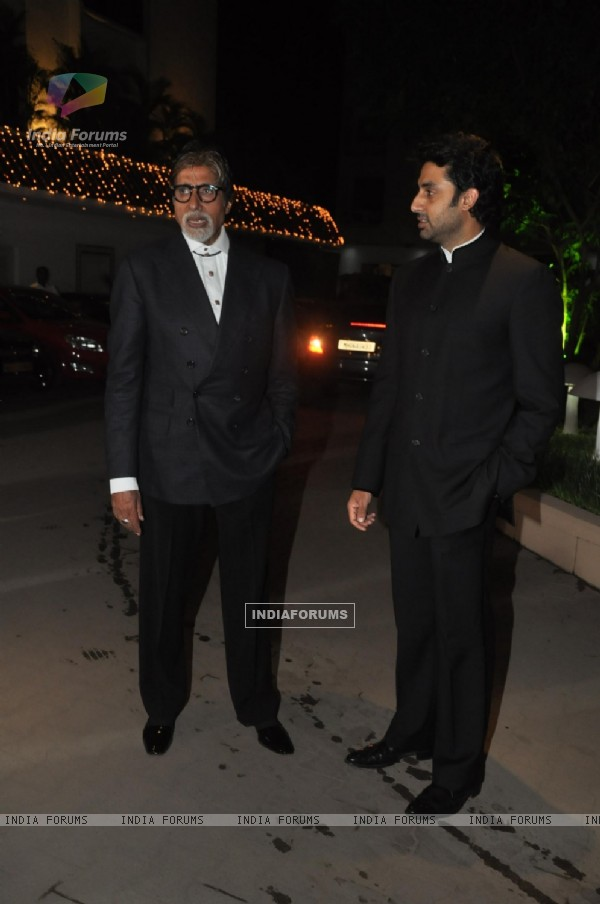 Amitabh and Abhishek Bachchan at Raghav Sachar & Amita Pathak Wedding