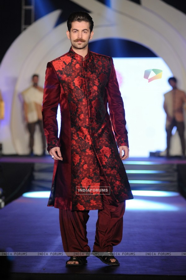 Neil Nitin Mukesh walks the ramp at Rohhit Verma's Fashion Show