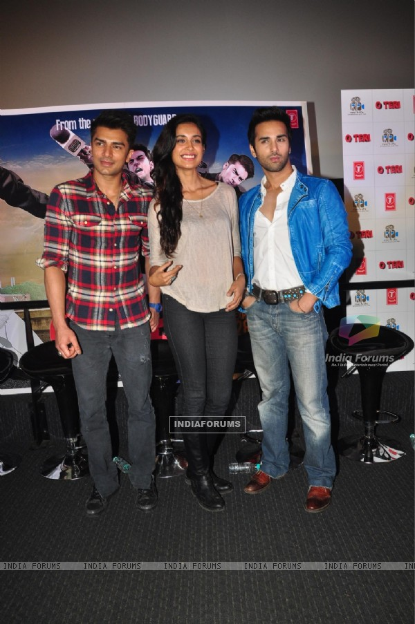 Bilal Amrohi, Sarah Jane Dias and Pulkit Samrat were at the First Look of 'O Teri'