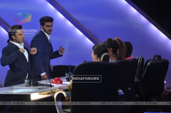 Ranveer and Arjun entertain the judges