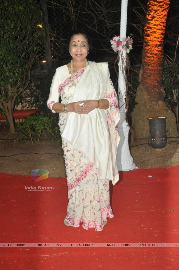 Asha Bhosle was seen at Ahana Deol & Vaibhav Vora's Wedding