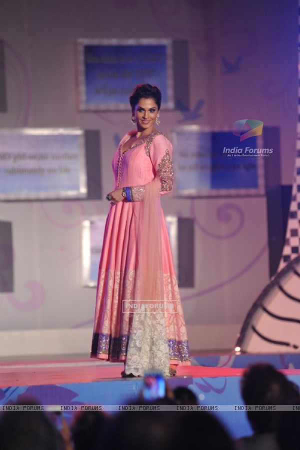 Eesha Kopikar walks the ramp at the Save & Empower The Girl Child event