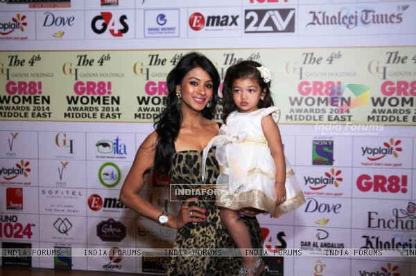 Barkha Bisht with her daughter was seen at the 4th GR8! Women Awards 2014
