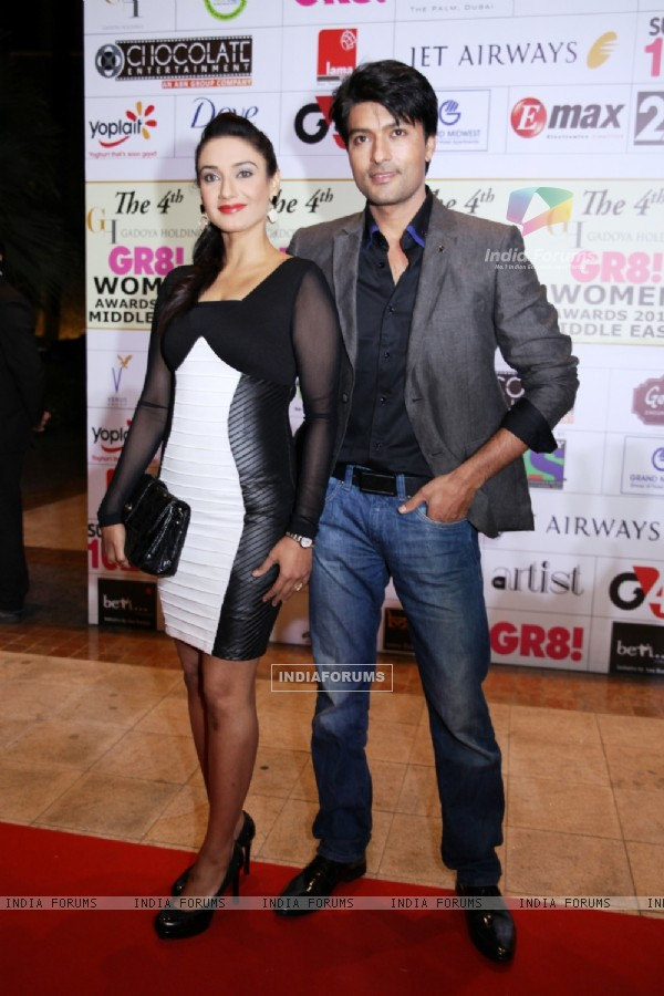 http://img.india-forums.com/images/600x0/312328-rati-pandey-and-anas-rashid-were-at-the-4th-gr8-women-awards-20.jpg