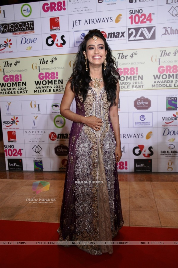 http://img.india-forums.com/images/600x0/312335-surbhi-jyoti-was-at-the-4th-gr8-women-awards-2014.jpg