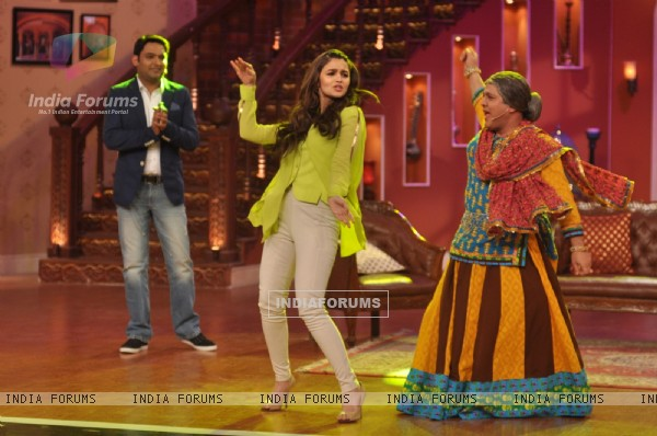 Highway Promotions on Comedy Nights With Kapil