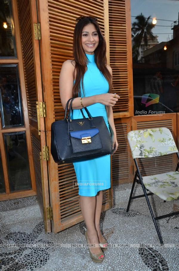 Tanisha Mukherjee at Harsh Gupta's latest collection launch