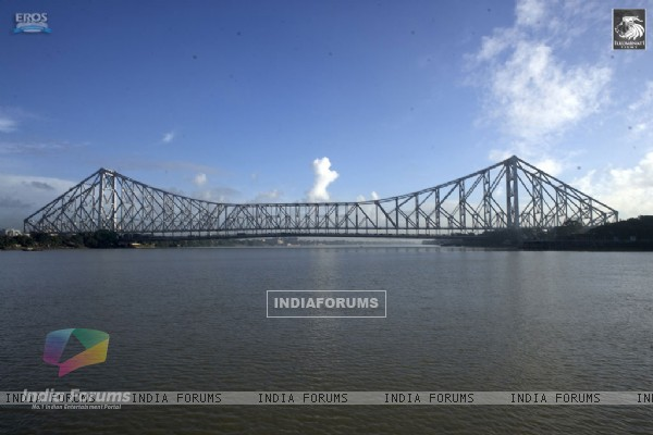 A still of Howrah Bridge from the movie Love Aaj Kal (31333)