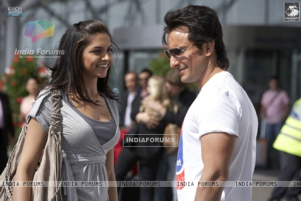 Saif Ali and Deepika looking gorgeous