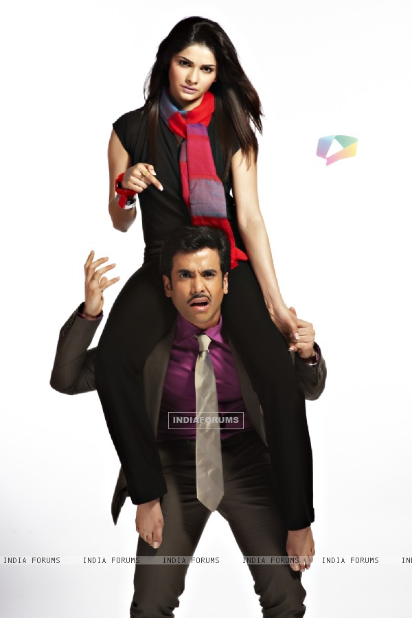 Tusshar Kapoor and Prachi Desai in Life Partner movie