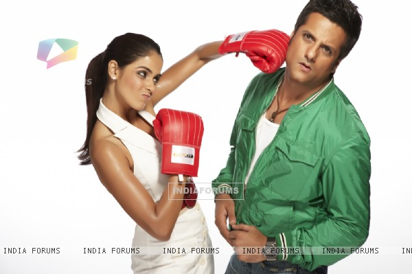 A still image of Genelia Dsouza and Fardeen Khan