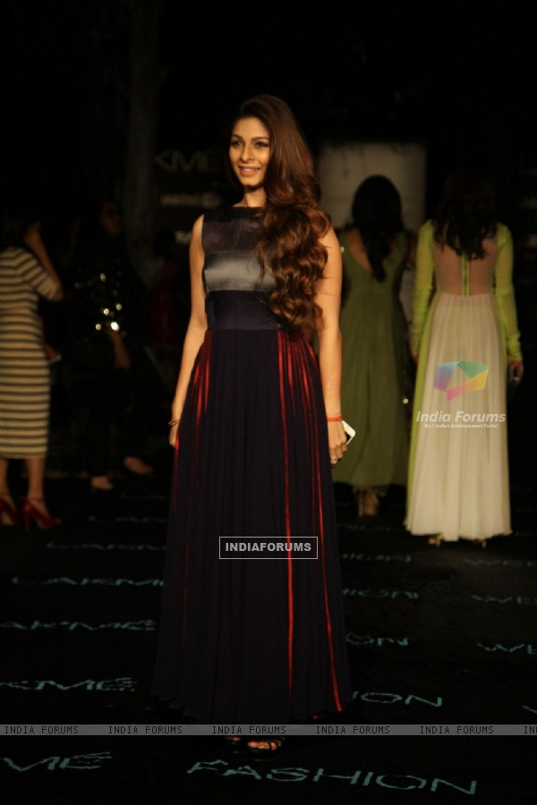 Tanisha Mukherjee at Lakme Fashion Week Summer Resort