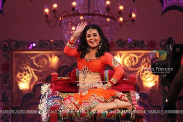 Mansi Shrivastav performs on Zee TV Holi Mahotsav