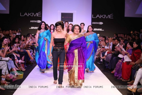 Mandira Bedi with her mother at Lakme Fashion Week Summer Resort 2014 Day 3