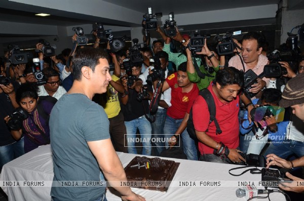 Aamir Khan celebrates his 49th birthday with the Media