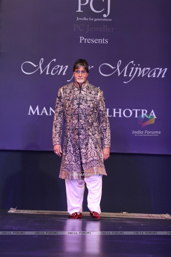 Amitabh Bachchan graced the ramp at the Men for Mijwan fashion show