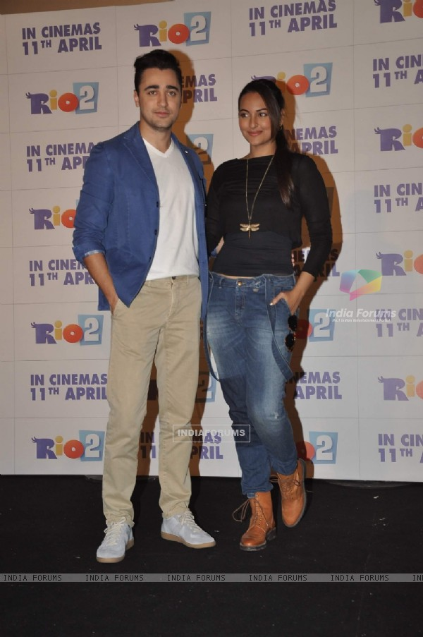 Imran and Sonakshi at the Trailer launch of film Rio 2