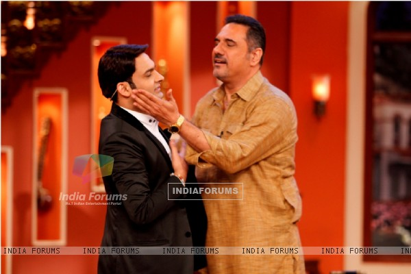 Boman Irani and Kapil on Comedy Nights With Kapil